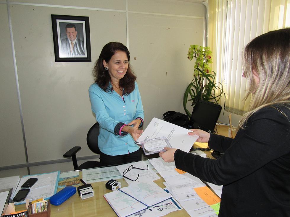 Autopista Litoral Sul entrega relatório de ações de educação ambiental realizadas no primeiro semestre de 2015