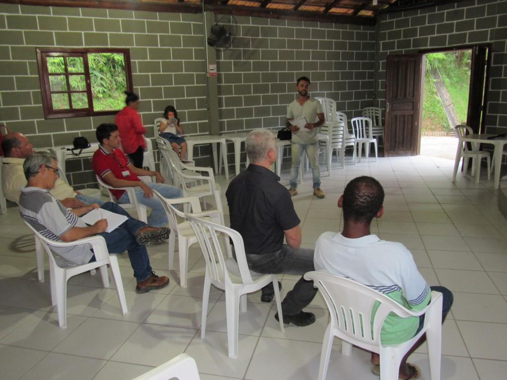 Reunião realizada em fevereiro de 2016 apresentou Plano de Fogo à comunidade de Palhoça