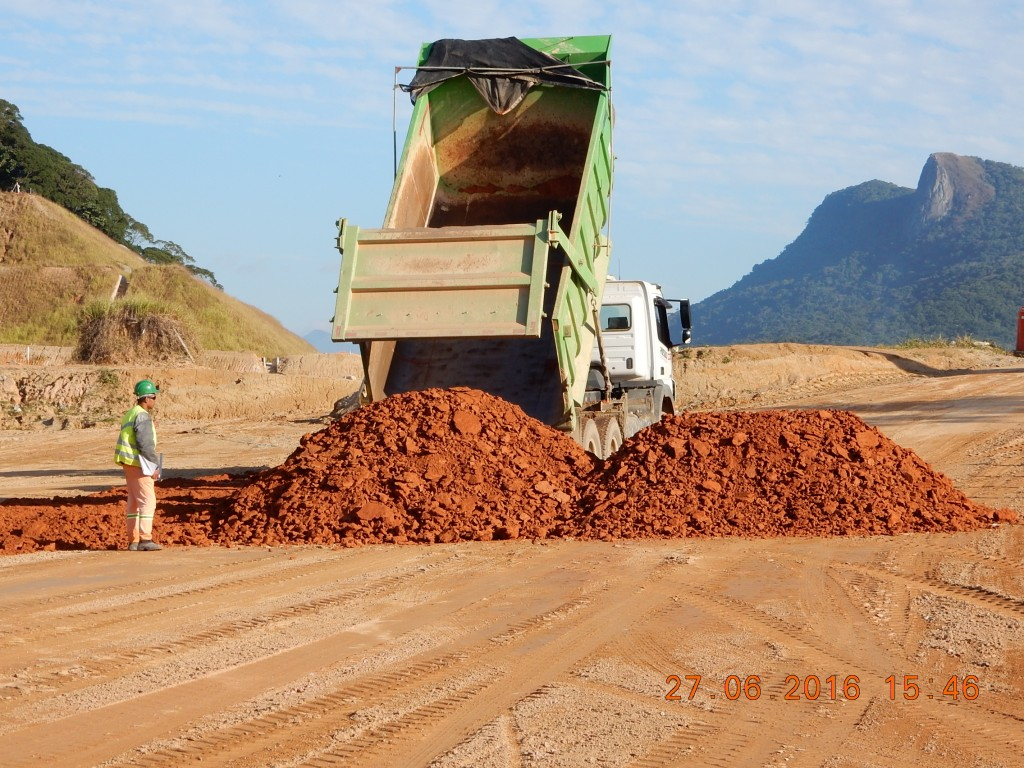 Andamento das obras no quilometro 213, em São José