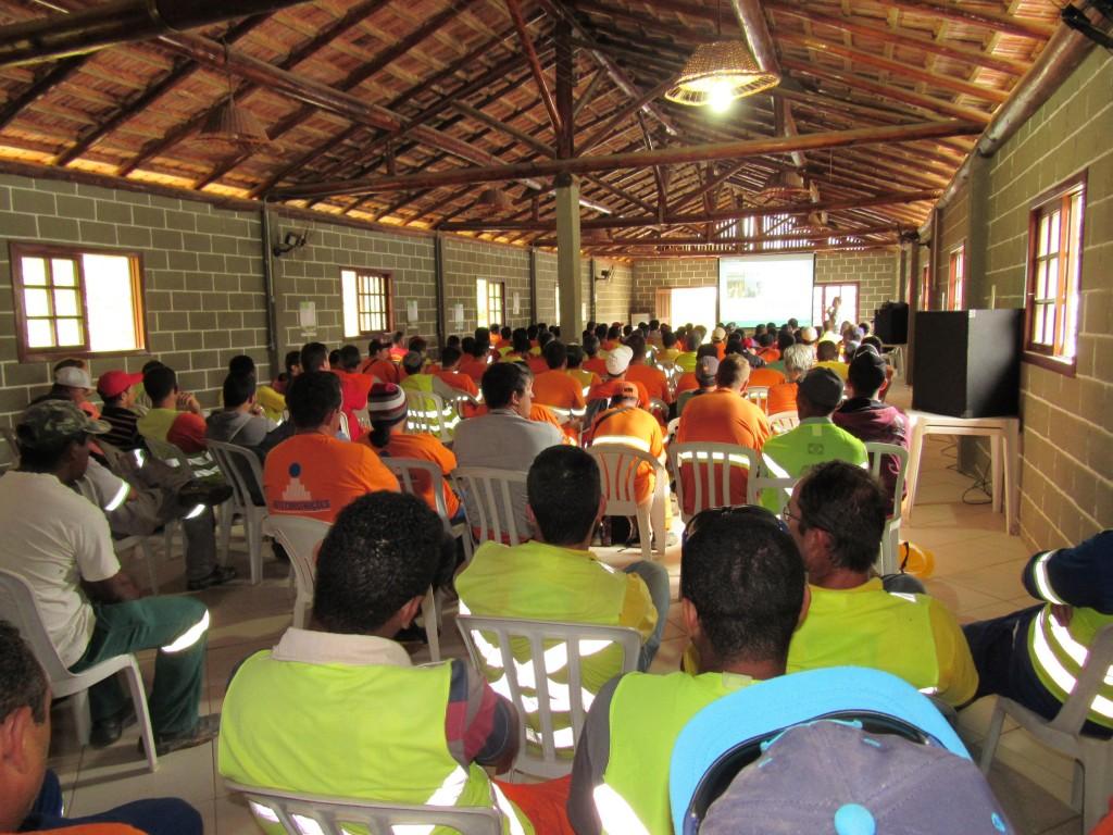 Educação Ambiental Trabalhadores - Palestra relacionamento com a Comunidade