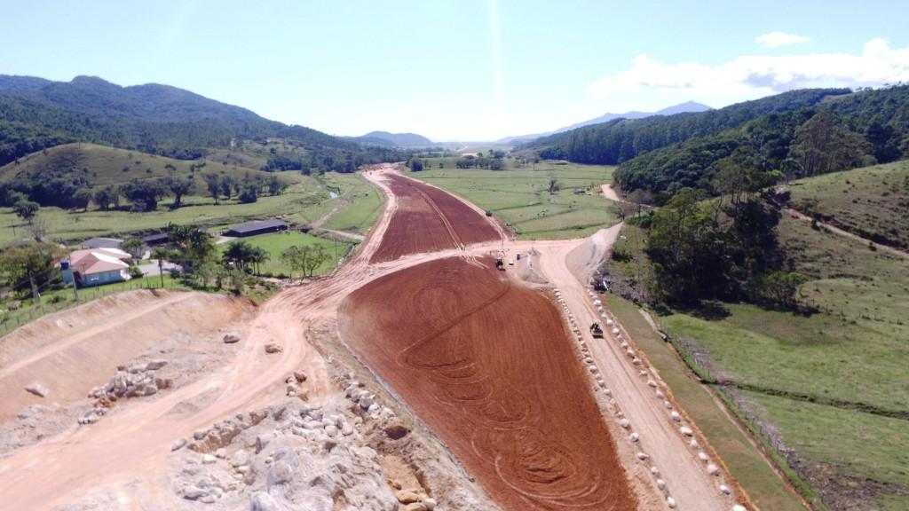 Obras do Contorno no Trecho Norte, em Biguaçu _ outubro de 2016