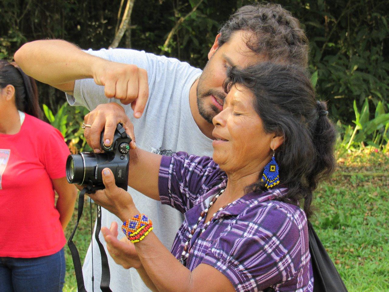 INDÍGENAS DE ALDEIAS VIZINHAS ÀS OBRAS DO CONTORNO PARTICIPAM DE OFICINA DE FOTOGRAFIA E VÍDEO