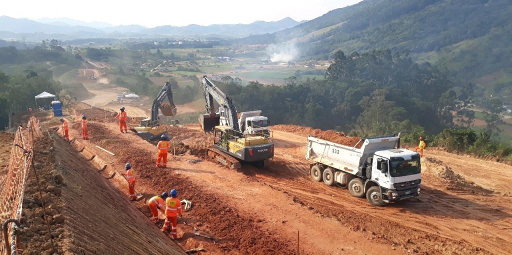 Terraplanagem e drenagem no Trecho Intermediário 2 - Julho de 2019