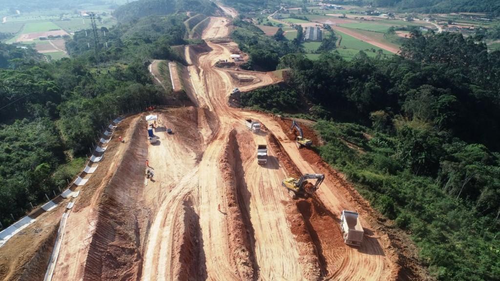 Obras no KM 207 - Vista Norte em Biguaçu - Julho 2019