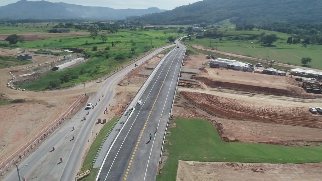 Viaduto da SC-407 é liberado