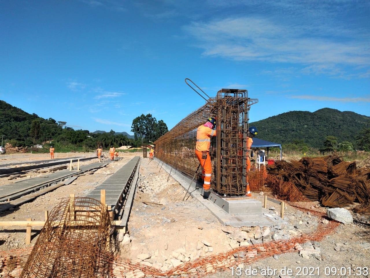 Iniciaram as obras do viaduto do trevo do Contorno com a BR 282